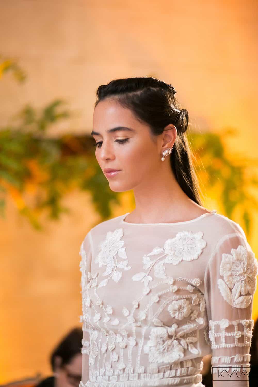 desfile-vestido-de-noiva-entardecer-julia-golldenzon-foto-kyra-mirsky-32