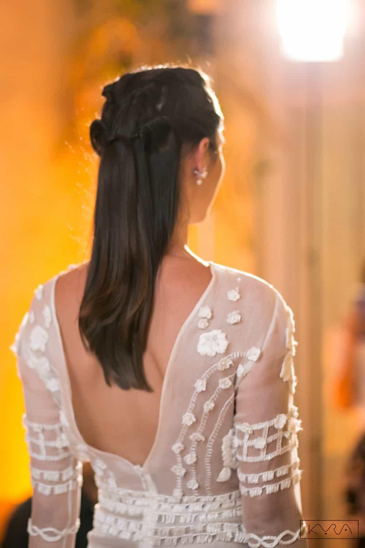 desfile-vestido-de-noiva-entardecer-julia-golldenzon-foto-kyra-mirsky-38