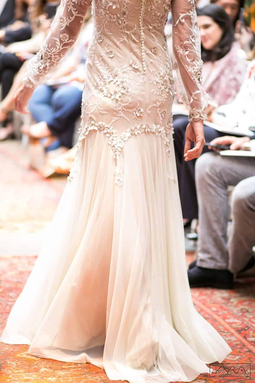 desfile-vestido-de-noiva-entardecer-julia-golldenzon-foto-kyra-mirsky-60