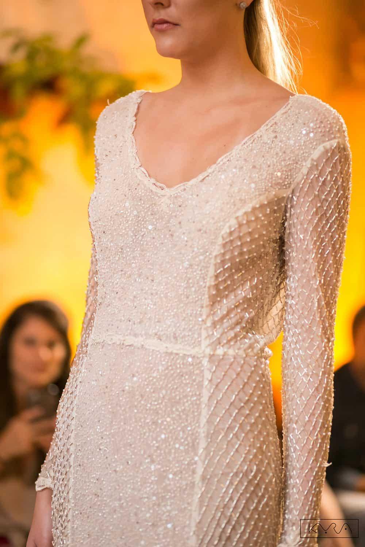 desfile-vestido-de-noiva-entardecer-julia-golldenzon-foto-kyra-mirsky-72