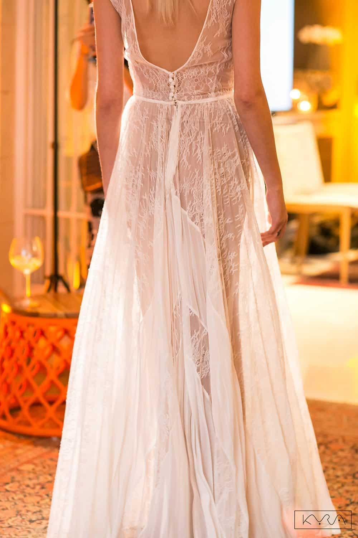 desfile-vestido-de-noiva-entardecer-julia-golldenzon-foto-kyra-mirsky-91