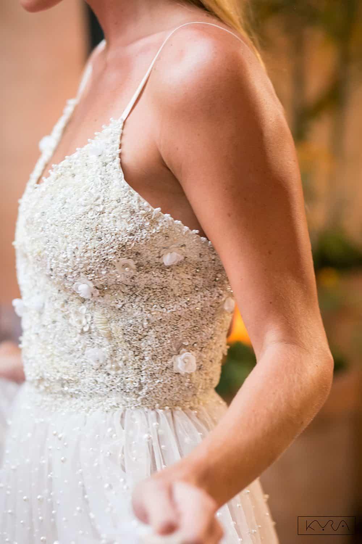desfile-vestido-de-noiva-entardecer-julia-golldenzon-foto-kyra-mirsky-96