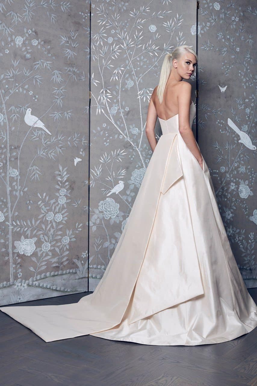 legends-by-romona-keveza-wedding-dresses-fall-2018-008-1