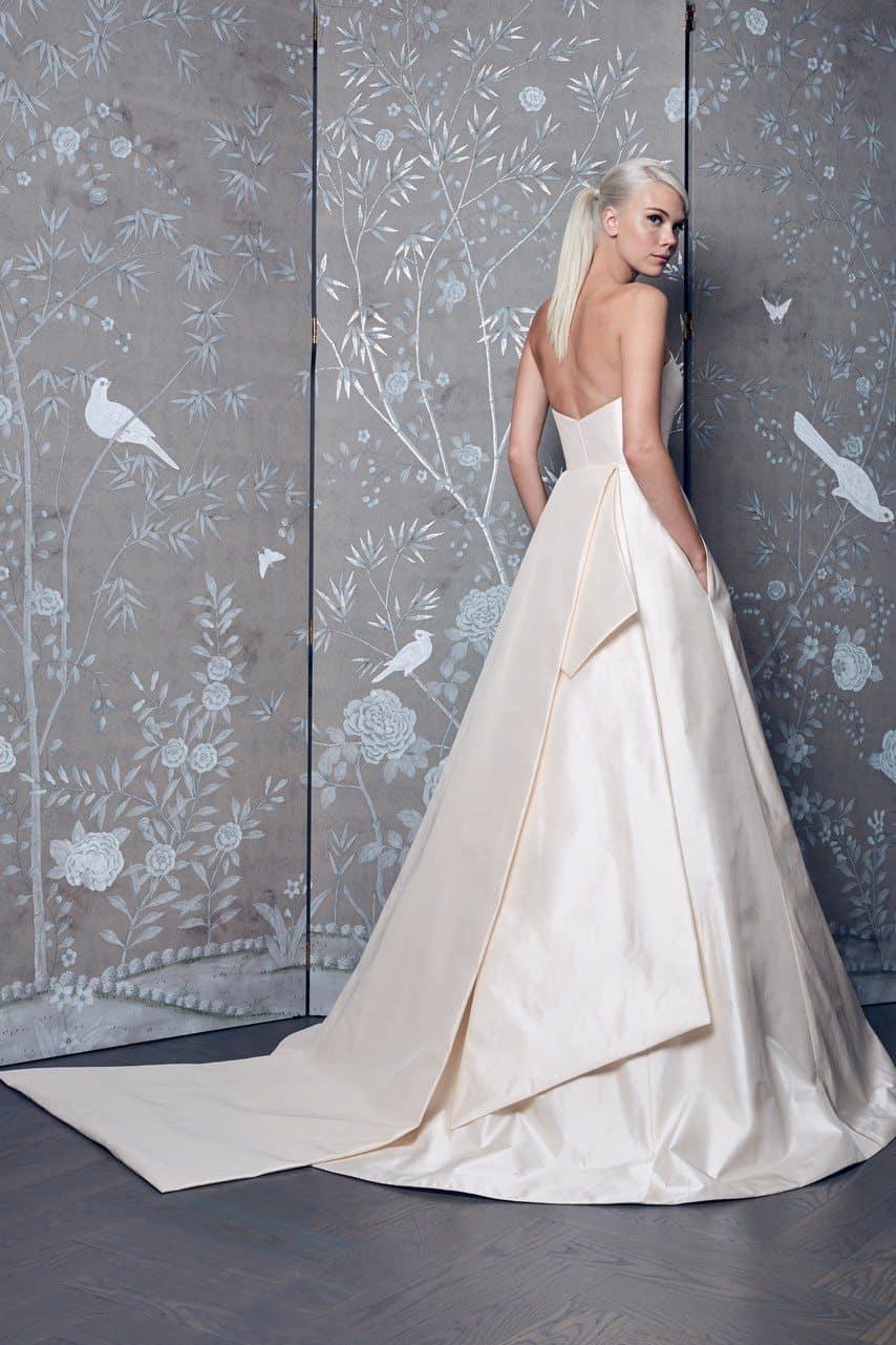 legends-by-romona-keveza-wedding-dresses-fall-2018-008