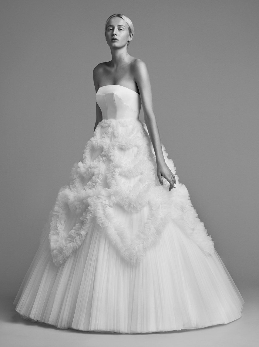 mariage-by-viktor-and-rolf-wedding-dresses-fall-2018-009