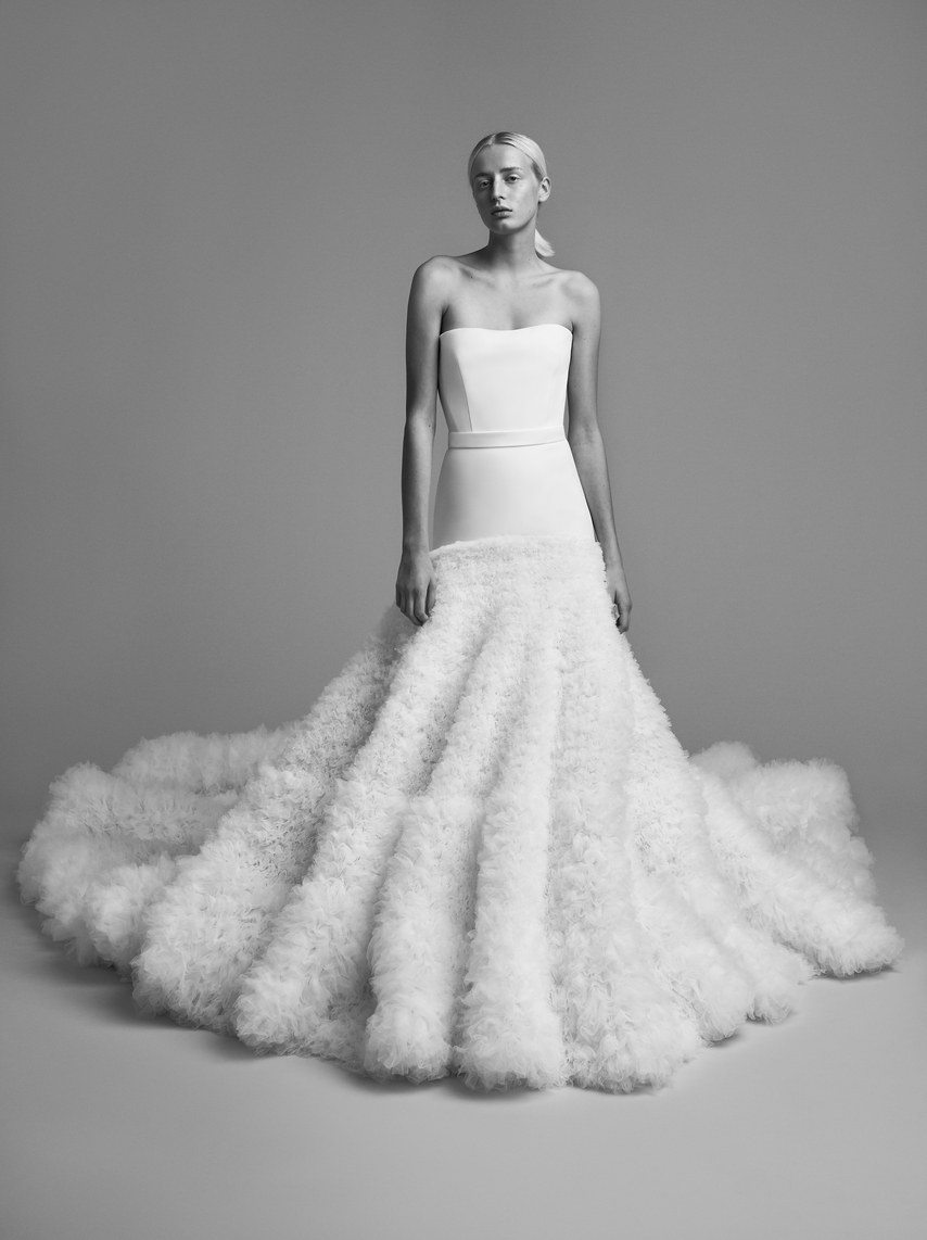 mariage-by-viktor-and-rolf-wedding-dresses-fall-2018-014
