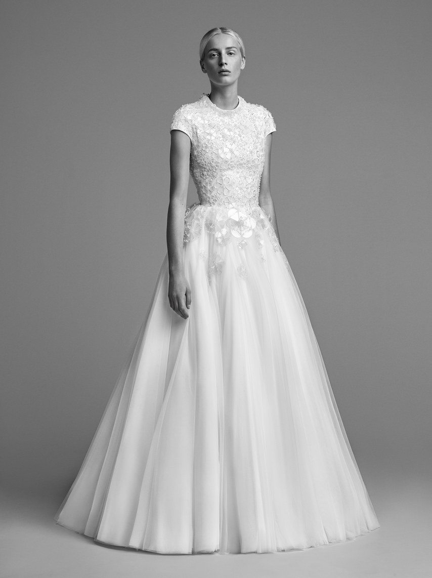 mariage-by-viktor-and-rolf-wedding-dresses-fall-2018-016