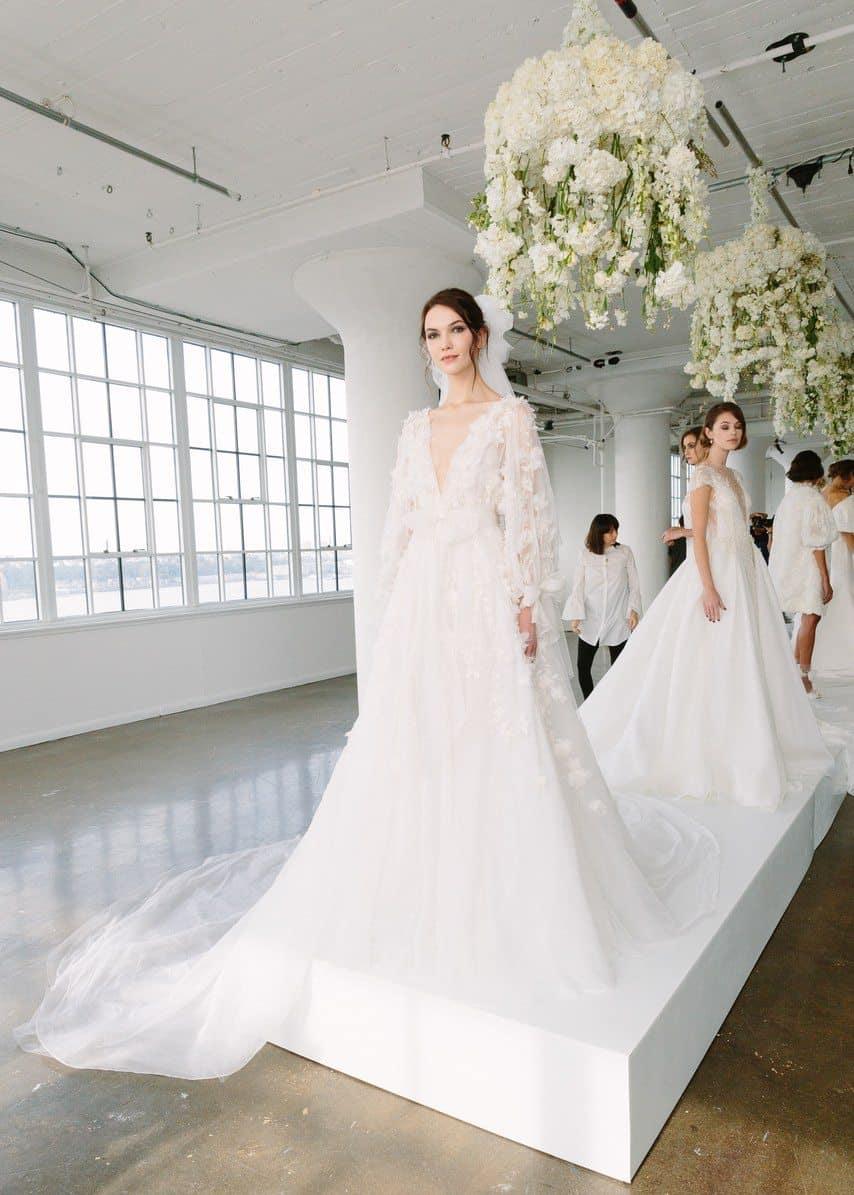vestido-de-noiva-Marchesa-Bridal-Fall-2018-caseme-foto-Yvone-Tnt-18