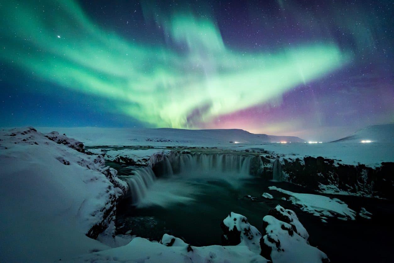 lua-de-mel-islandia-Aurora-Boreal