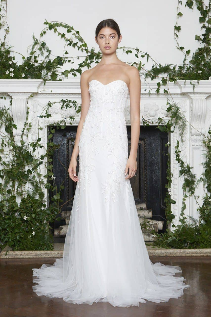 monique-lhuillier-wedding-dresses-fall-2018-016