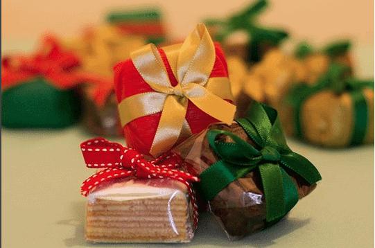 bem-natalinos-bolo-de-rolo-ou-brownie-casal-garcia