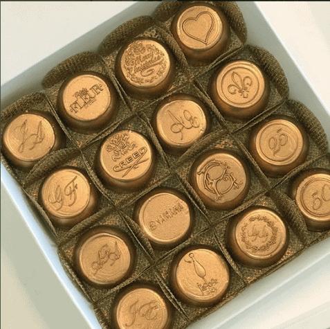 bombons-bronze-personalizados-petite-fleur-patisserie-477x475