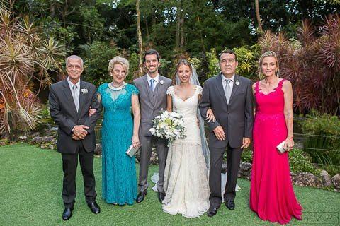 0005-Poses-Giovanna-e-Pedro-IMG_9022AG2-Digital-Anna-Carolina-Werneck-Casa-das-Canoas-Casamento-Fotos-família-Kyra-Mirsky-Rio-de-Janeiro