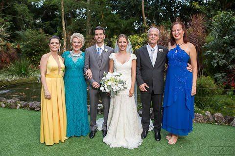 0014-Poses-Giovanna-e-Pedro-IMG_9034AG2-Digital-Anna-Carolina-Werneck-Casa-das-Canoas-Casamento-Fotos-família-Kyra-Mirsky-Rio-de-Janeiro