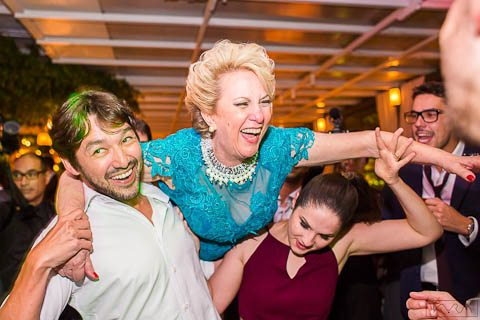 0744-Festa-Giovanna-e-Pedro-KYRA5641AG2-Digital-Anna-Carolina-Werneck-Casa-das-Canoas-Casamento-Festa-Kyra-Mirsky-Mãe-para-o-alto-Pista-de-dança-Rio-de-Janeiro