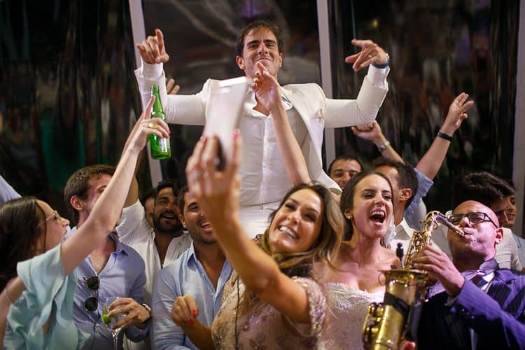 BR-1067Amore-Produção-Casamento-Casamento-Bruna-e-Rafael-Casamento-em-Trancoso-Casamento-na-Bahia-Casamento-na-praia-Casamento-temático-Fotografia-Fercesar-Noivos-para-o-alto-CaseMe1000-x-667