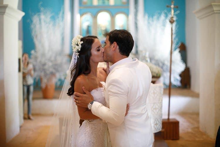 BR-470Amore-Produção-Casamento-Casamento-Bruna-e-Rafael-Casamento-em-Trancoso-Casamento-na-Bahia-Casamento-na-praia-Casamento-temático-Cerimônia-Fotografia-Fercesar-Poses-Casal-CaseMe1000-x-667