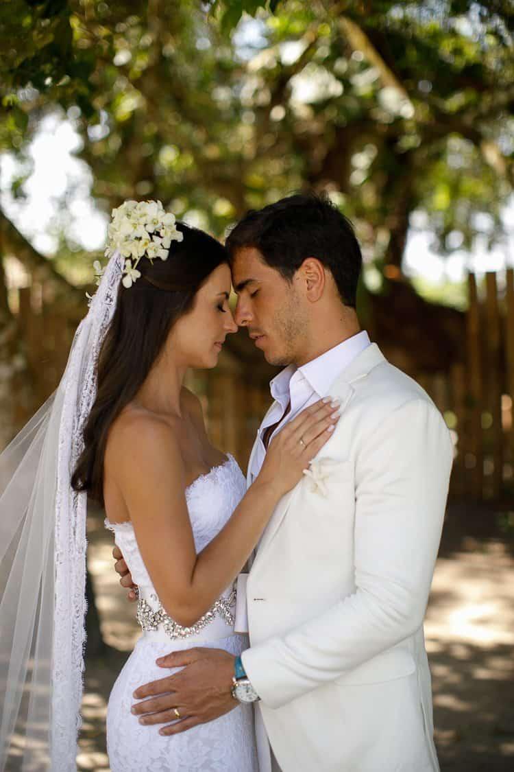 BR-597Amore-Produção-Casamento-Casamento-Bruna-e-Rafael-Casamento-em-Trancoso-Casamento-na-Bahia-Casamento-na-praia-Casamento-temático-Fotografia-Fercesar-Poses-Casal-CaseMe1000-x-1500