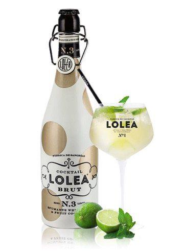 Lolea-3-com-taçaBebidas-alcoólicas-Liv-Import-Lolea-Sangria