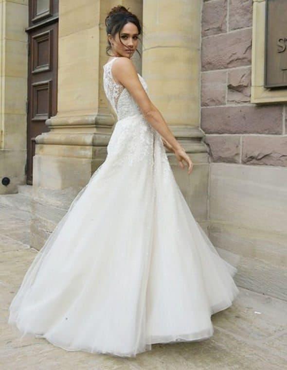 Meghan-Markle-in-a-wedding-dress-1041190