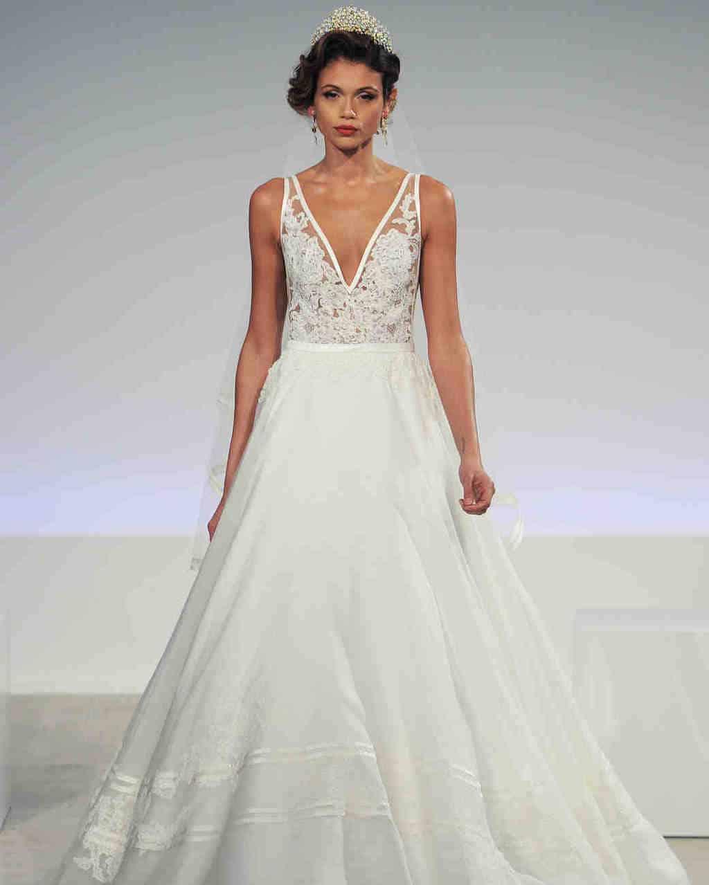 anne-barge-wedding-dress-fall2017-6203351-022_vert