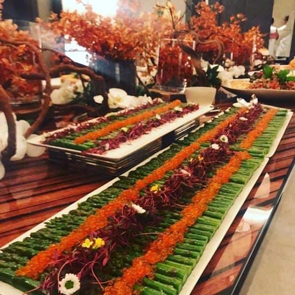 aspargos-e-ovas-de-ikura-buffet