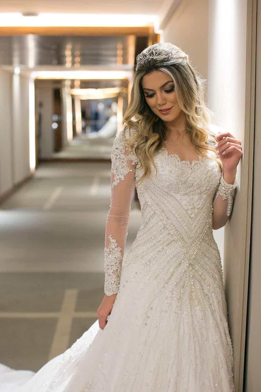 casamento-raissa-e-douglas-caseme-23Ana-Haertel-Casa-Charlô-Casamento-Casamento-tradicional-Miguel-Kanashiro-Poses-noiva-Roberto-Tamer-São-Paulo