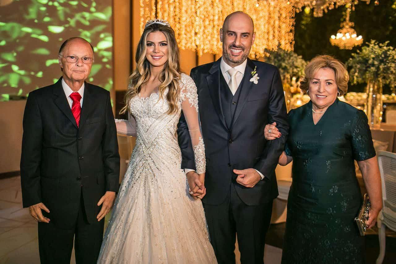 casamento-raissa-e-douglas-caseme-3Ana-Haertel-Casa-Charlô-Casamento-Casamento-tradicional-Convidados-Miguel-Kanashiro-Roberto-Tamer-São-Paulo