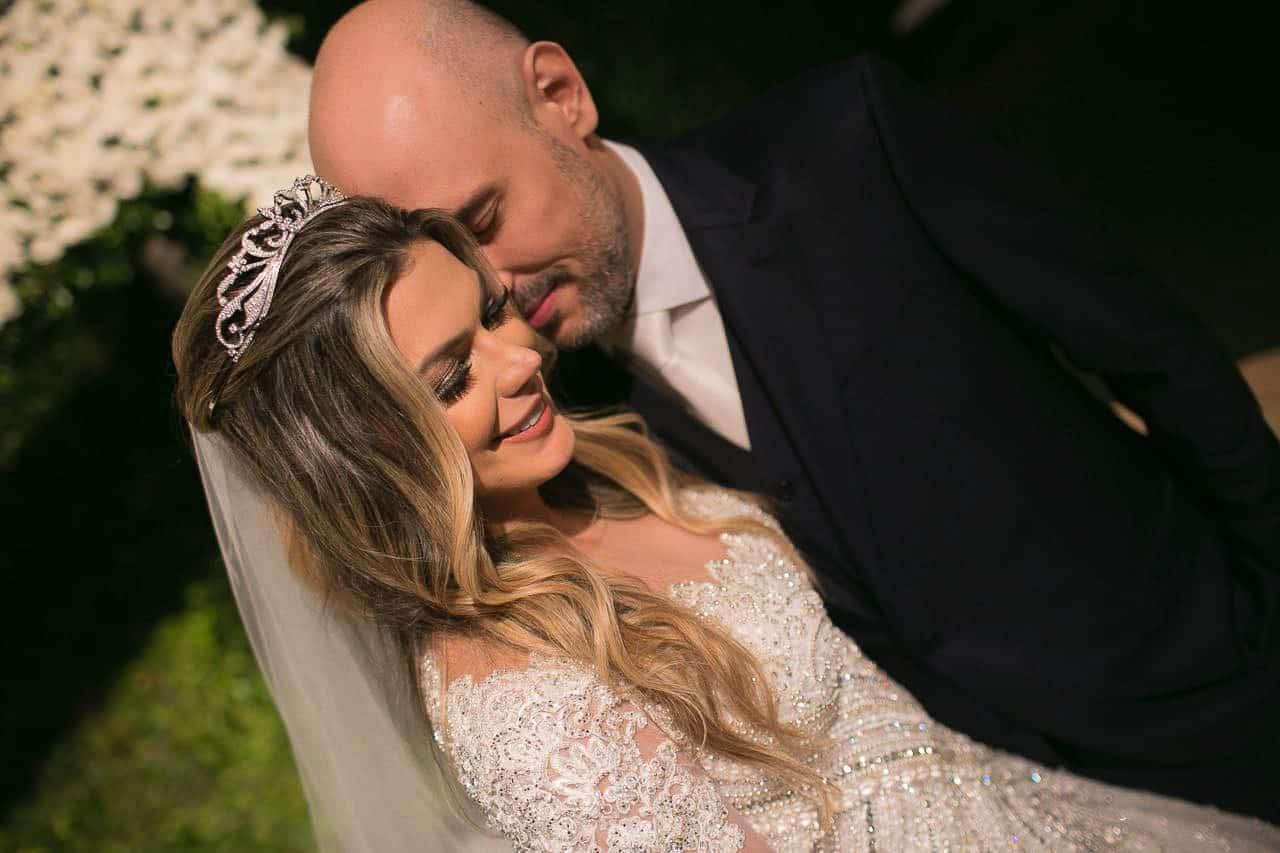 casamento-raissa-e-douglas-caseme-4Ana-Haertel-Casa-Charlô-Casamento-Casamento-tradicional-Miguel-Kanashiro-Poses-Casal-Roberto-Tamer-São-Paulo