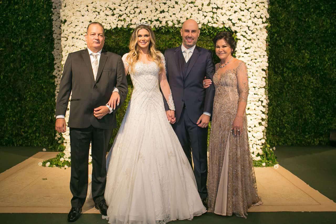 casamento-raissa-e-douglas-caseme-50Ana-Haertel-Casa-Charlô-Casamento-Casamento-tradicional-Miguel-Kanashiro-Roberto-Tamer-São-Paulo