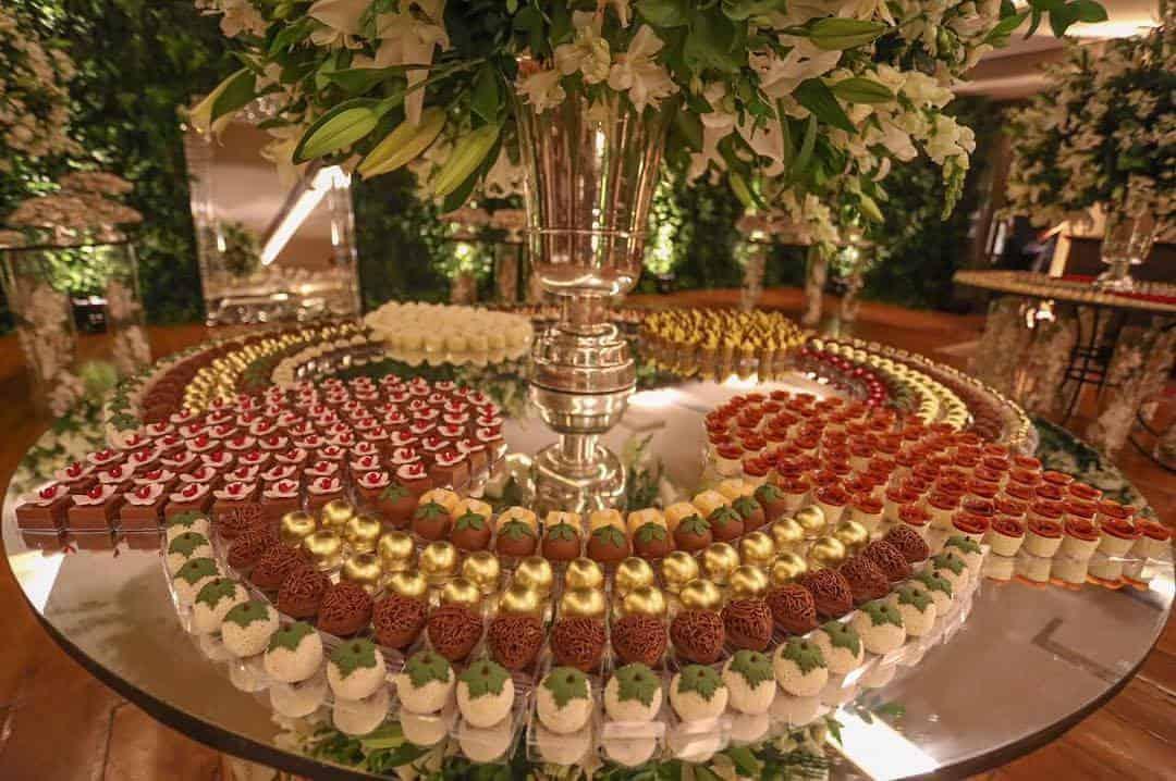 mesa-de-doces-lana-bandeira-e-gugah-brito