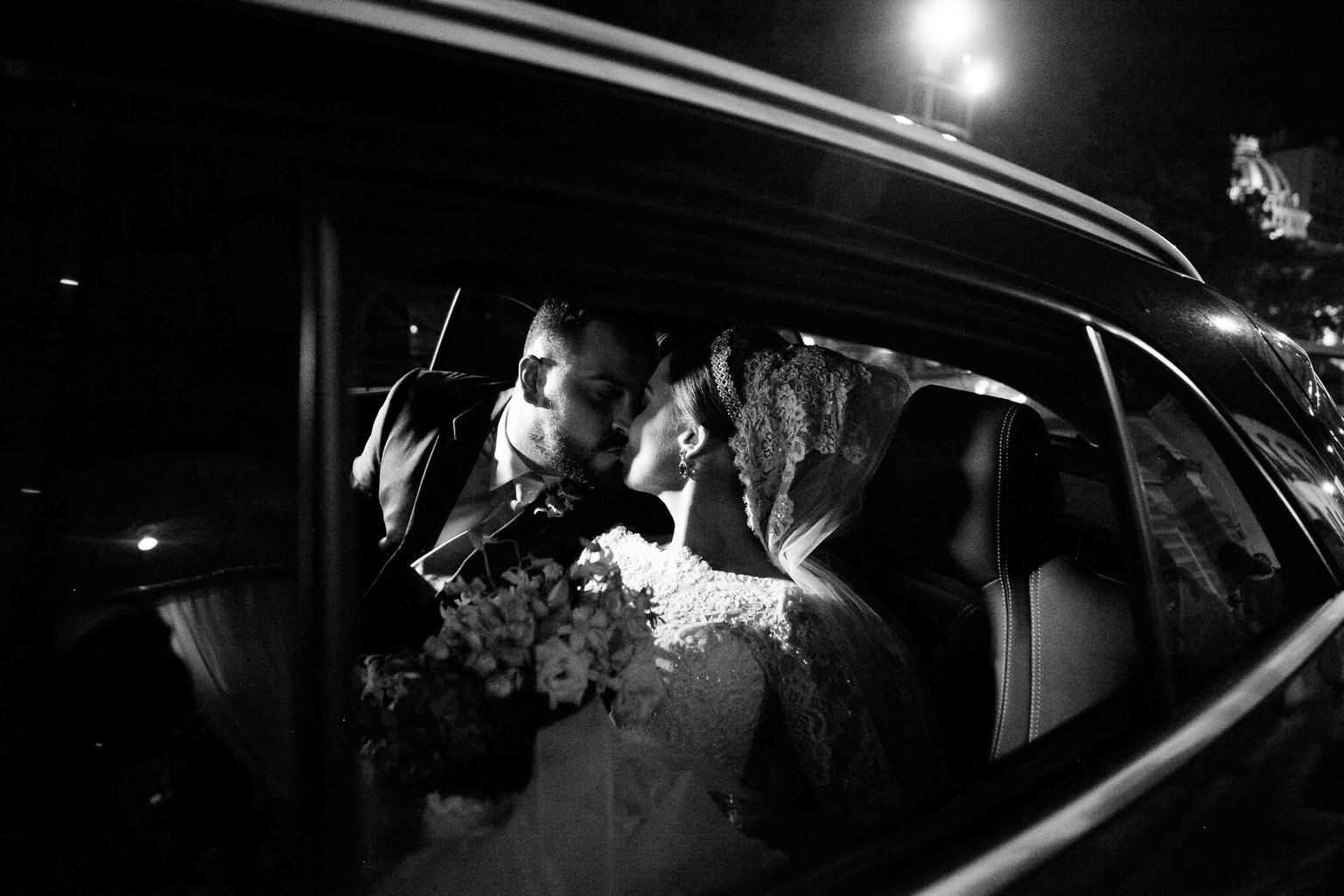 Carro-da-noiva-Casamento-Clássico-Casamento-tradicional-Copacabana-Palace-Monica-Roias-Ribas-Foto-e-Vídeo-Tuanny-e-Bernardo-CaseMe-2