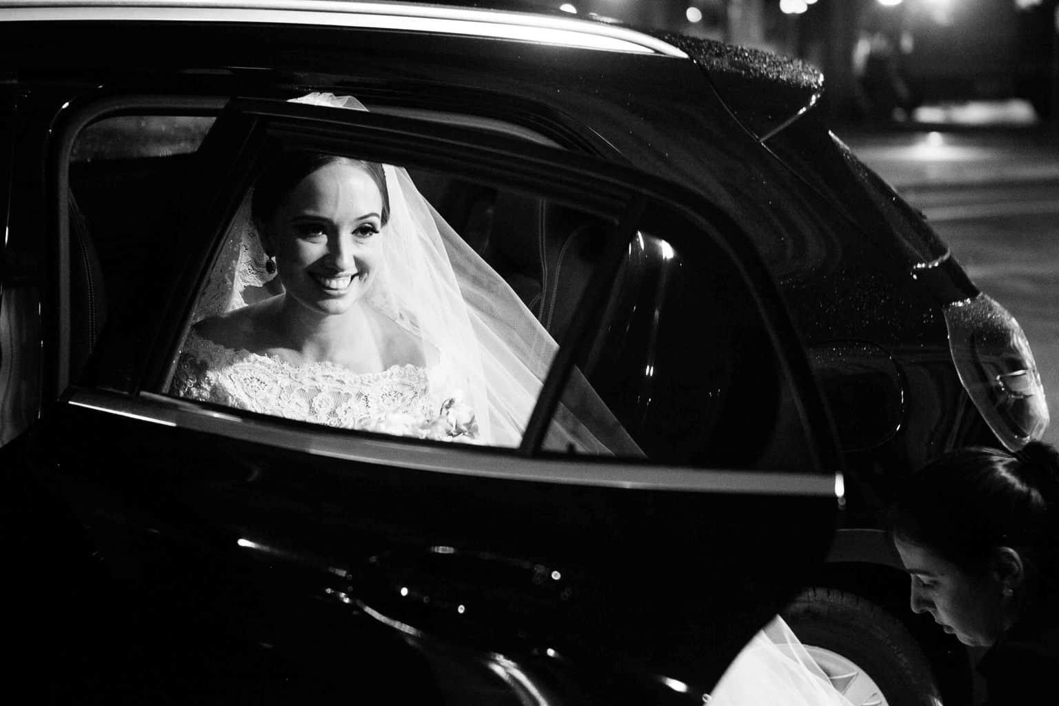 Carro-da-noiva-Casamento-Clássico-Casamento-tradicional-Copacabana-Palace-Monica-Roias-Ribas-Foto-e-Vídeo-Tuanny-e-Bernardo-CaseMe