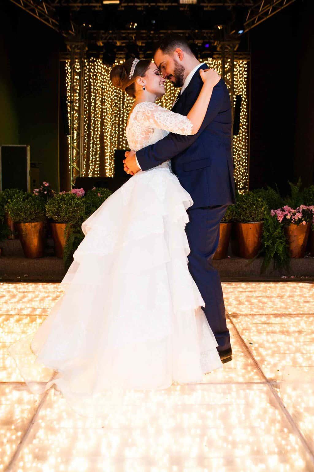 Casamento-Clássico-Casamento-tradicional-Copacabana-Palace-Dança-dos-noivos-Monica-Roias-Ribas-Foto-e-Vídeo-Silvio-Cruz-Tuanny-e-Bernardo-CaseMe