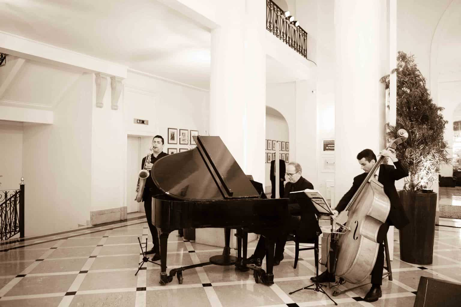 Casamento-Clássico-Casamento-tradicional-Copacabana-Palace-Delfim-Moreira-Monica-Roias-Orquestra-Ribas-Foto-e-Vídeo-Tuanny-e-Bernardo-CaseMe