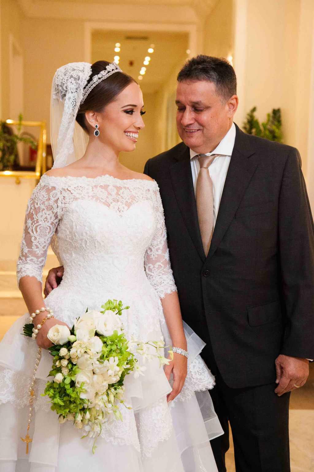 Casamento-Clássico-Casamento-tradicional-Copacabana-Palace-Monica-Roias-Noiva-e-pai-Ribas-Foto-e-Vídeo-Tuanny-e-Bernardo-CaseMe