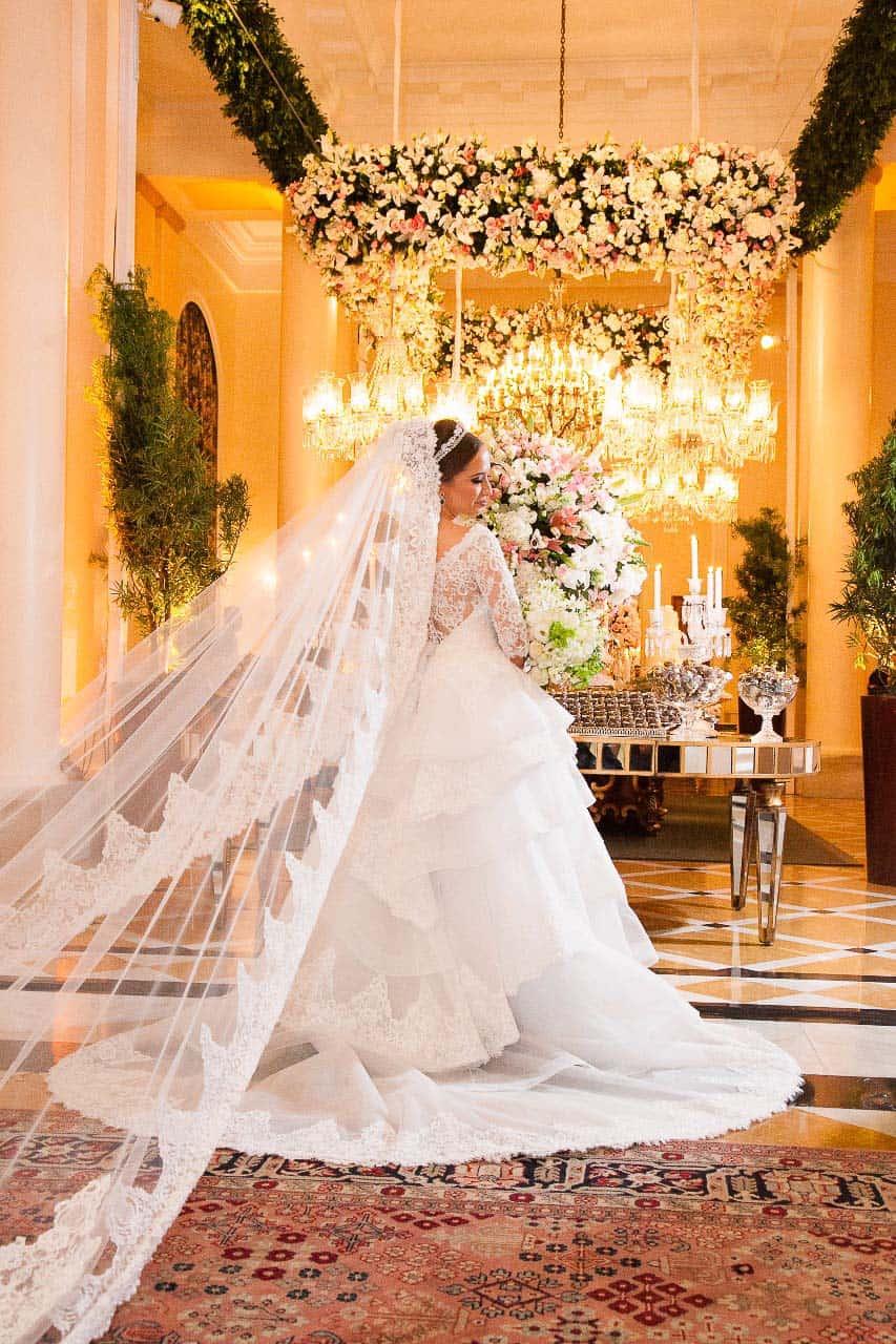 Casamento-Clássico-Casamento-tradicional-Copacabana-Palace-Monica-Roias-Poses-noiva-Ribas-Foto-e-Vídeo-Silvio-Cruz-Tuanny-e-Bernardo-CaseMe-10