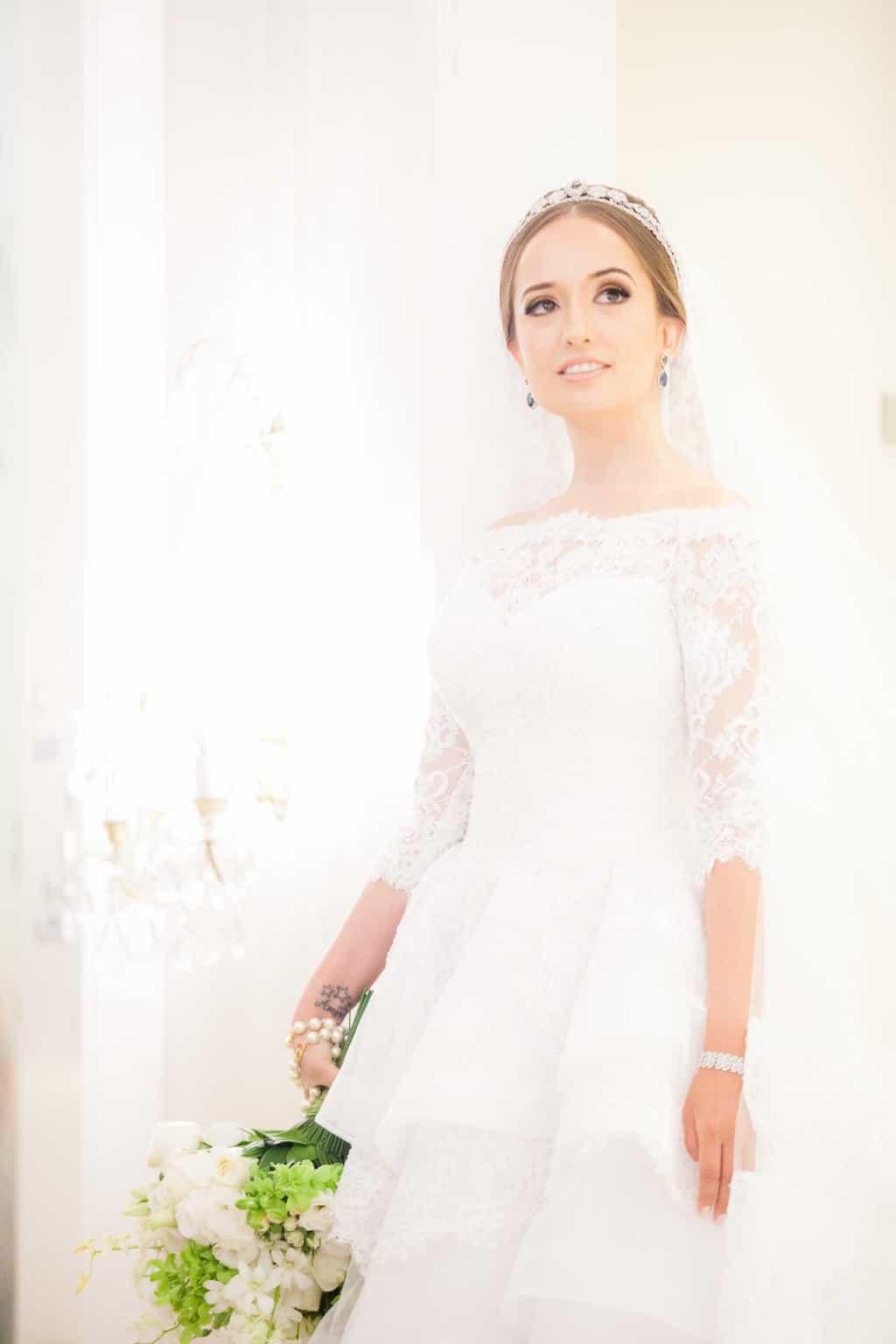 Casamento-Clássico-Casamento-tradicional-Copacabana-Palace-Monica-Roias-Poses-noiva-Ribas-Foto-e-Vídeo-Silvio-Cruz-Tuanny-e-Bernardo-CaseMe-2