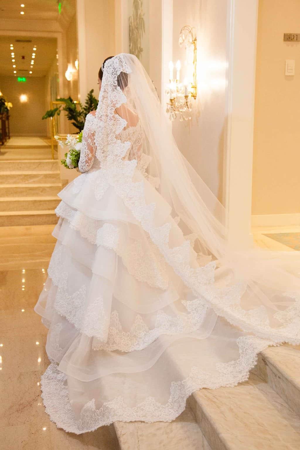 Casamento-Clássico-Casamento-tradicional-Copacabana-Palace-Monica-Roias-Poses-noiva-Ribas-Foto-e-Vídeo-Silvio-Cruz-Tuanny-e-Bernardo-CaseMe-3