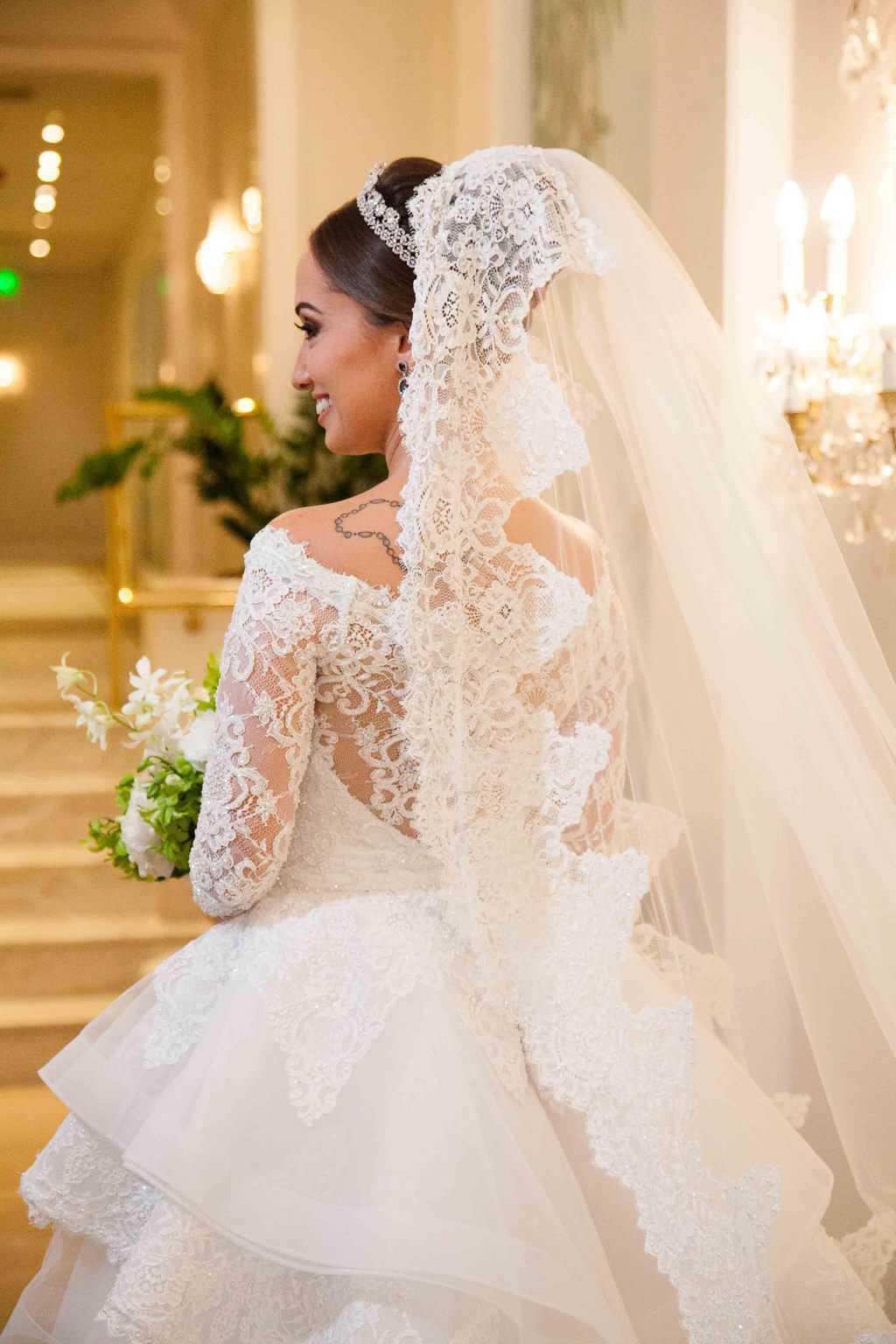 Casamento-Clássico-Casamento-tradicional-Copacabana-Palace-Monica-Roias-Poses-noiva-Ribas-Foto-e-Vídeo-Silvio-Cruz-Tuanny-e-Bernardo-CaseMe-4