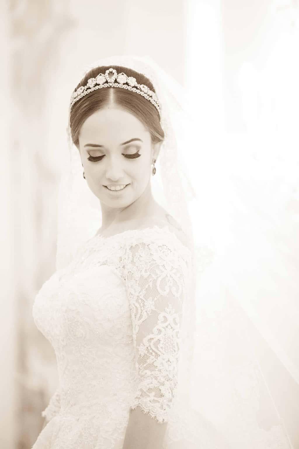 Casamento-Clássico-Casamento-tradicional-Copacabana-Palace-Monica-Roias-Poses-noiva-Ribas-Foto-e-Vídeo-Silvio-Cruz-Tuanny-e-Bernardo-CaseMe-6