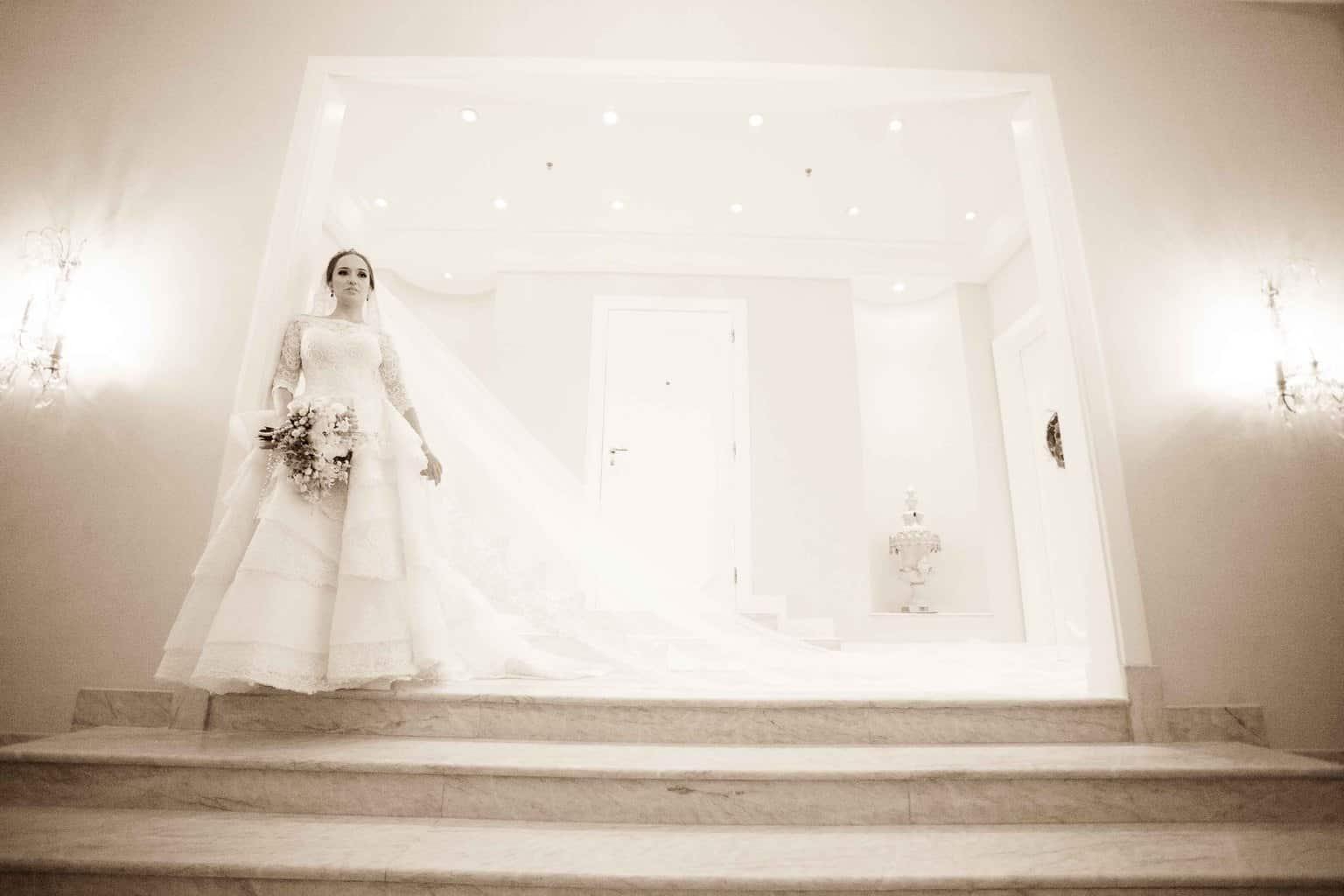 Casamento-Clássico-Casamento-tradicional-Copacabana-Palace-Monica-Roias-Poses-noiva-Ribas-Foto-e-Vídeo-Silvio-Cruz-Tuanny-e-Bernardo-CaseMe