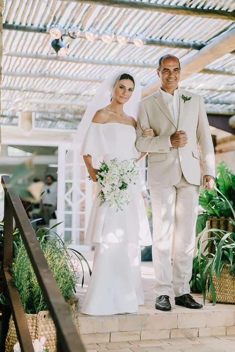 Cerimônia-Fotografia-Aline-Ferreira-Greenery-Ilhabela-Monique-e-Bruno-Noiva-e-pai-CaseMe