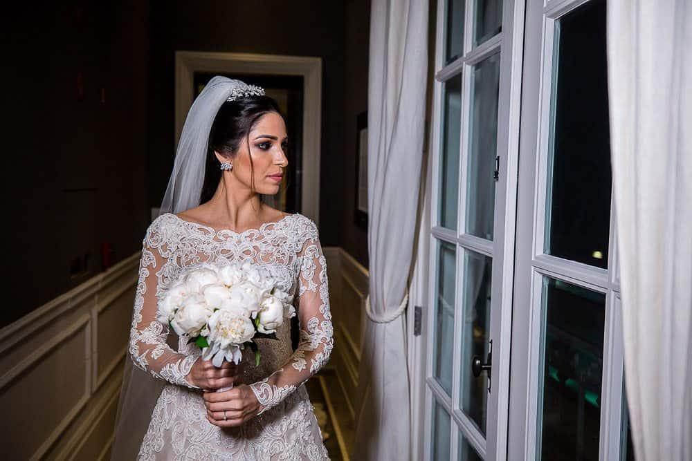 BiancaeLeonardo_1171André-Pedrotti-Bianca-e-Leonardo-Casamento-Clássico-Casamento-tradicional-Fotografia-Torin-Zanette-Gabi-Feres-Jockey-Club-São-Paulo-Múltipla-Eventos-Poses-noiva-CaseMe