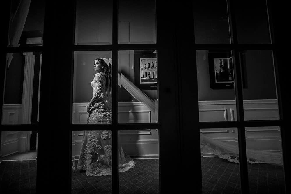 BiancaeLeonardo_1183André-Pedrotti-Bianca-e-Leonardo-Casamento-Clássico-Casamento-tradicional-Fotografia-Torin-Zanette-Gabi-Feres-Jockey-Club-São-Paulo-Múltipla-Eventos-Poses-noiva-CaseMe