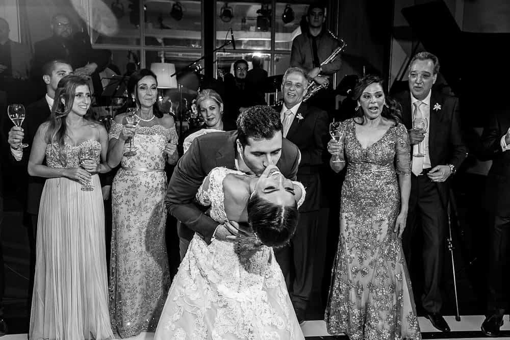 BiancaeLeonardo_1742André-Pedrotti-Bianca-e-Leonardo-Casamento-Clássico-Casamento-tradicional-Dança-dos-noivos-Fotografia-Torin-Zanette-Gabi-Feres-Jockey-Club-São-Paulo-Múltipla-Eventos-CaseMe