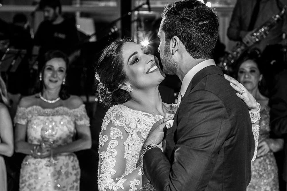 BiancaeLeonardo_danceAndré-Pedrotti-Bianca-e-Leonardo-Casamento-Clássico-Casamento-tradicional-Dança-dos-noivos-Fotografia-Torin-Zanette-Gabi-Feres-Jockey-Club-São-Paulo-Múltipla-Eventos-CaseMe