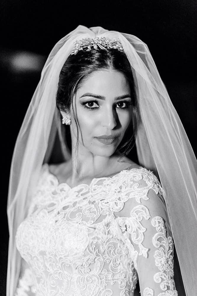 BiancaeLeonardo_portraitAndré-Pedrotti-Bianca-e-Leonardo-Casamento-Clássico-Casamento-tradicional-Fotografia-Torin-Zanette-Gabi-Feres-Jockey-Club-São-Paulo-Múltipla-Eventos-Poses-noiva-CaseMe