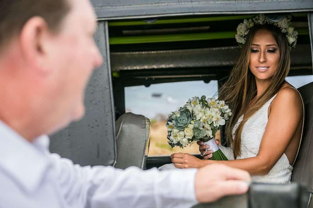 Camila-e-Lucca-Casamento-na-praia-Cerimônia-Fernando-de-Noronha-Marcela-Montenegro-CaseMe-Revista-de-casamentoCB025600