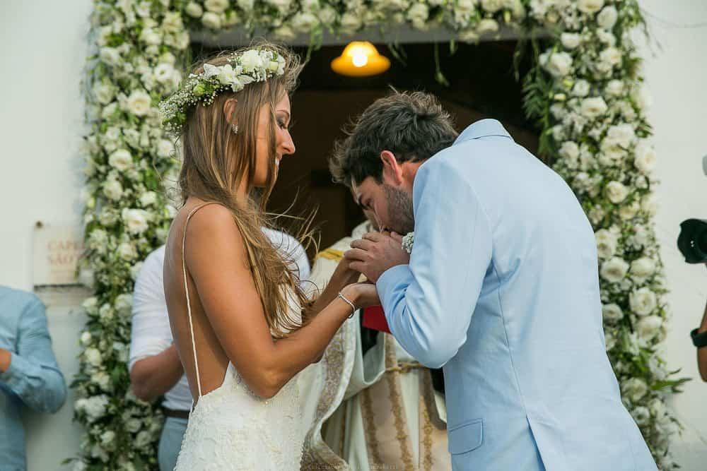 Camila-e-Lucca-Casamento-na-praia-Cerimônia-Fernando-de-Noronha-Marcela-Montenegro-CaseMe-Revista-de-casamentoCB025817